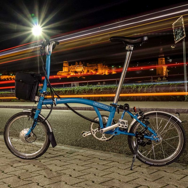 media/image/More-Brompton-electrified_1by1_5.jpg
